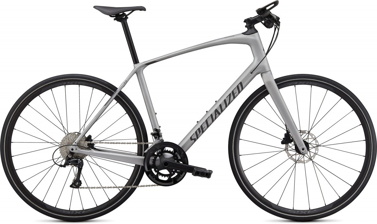 EAN-code: 0888818581863 Product: SPECIALIZED SIRRUS 4.0, SATIN FLAKE SILVER / CHARCOAL / BLACK REFLECTIVE (Part-No: 90920-5002) at cycleXperience.nl