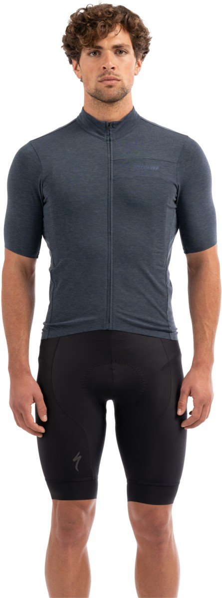 EAN-code: 0888818594733 Brand: SPECIALIZED Product: SHIRT K.M. MAAT L RBX MERINO CAST BLUE (Part-No: 64120-3914) at cycleXperience.nl