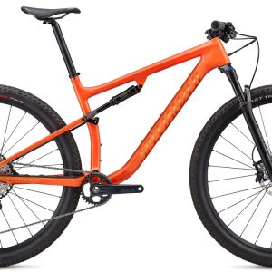 EAN-code: 0888818631773 Product: SPECIALIZED EPIC COMP, GLOSS BLAZE / GOLDPEARL (Part-No: 97620-5203) at cycleXperience.nl