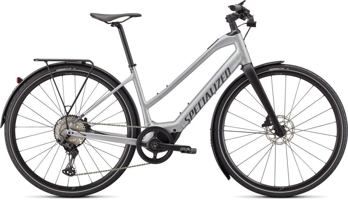 EAN-code: 0888818733231 Product: SPECIALIZED VADO SL 5.0 STEP-THROUGH EQ, BRUSHED ALUMINUM / BLACK REFLECTIVE (Part-No: 93921-3103) at cycleXperience.nl