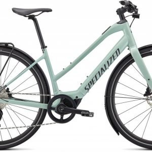 EAN-code: 0888818733378 Product: SPECIALIZED VADO SL 4.0 STEP-THROUGH EQ, WHITE SAGE / BLACK REFLECTIVE (Part-No: 93921-5205) at cycleXperience.nl