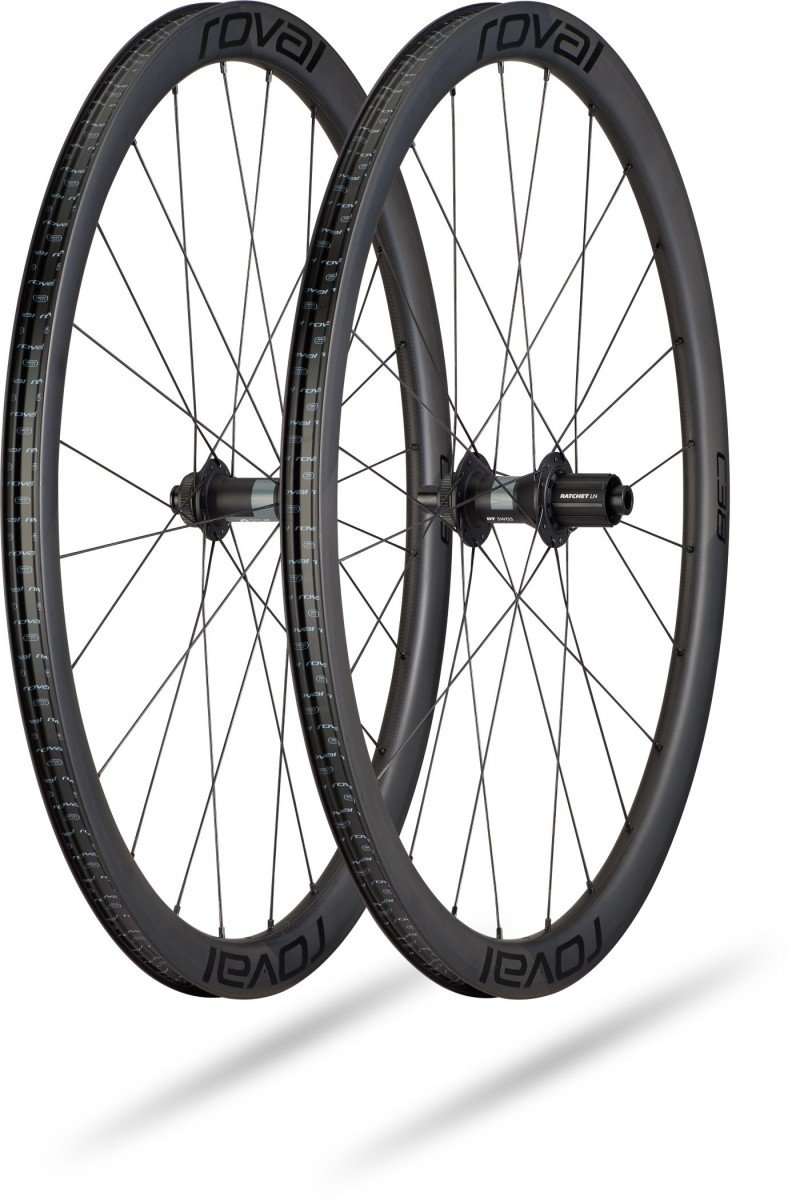 EAN-code: 0888818751853 Brand: SPECIALIZED Product: WIELSET C38 ROVAL RAPIDE CARBON SATIN/ZWART (Part-No: 30021-4500) at cycleXperience.nl