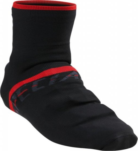 EAN-code: 1000000416756 Brand: SPECIALIZED Product: OVERSCHOEN/SOK MAAT M ZWART/ROOD (Part-No: 644-64143) at cycleXperience.nl