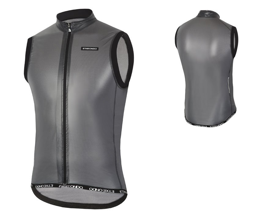 EAN-code: 1801000363435 Brand: ETXEONDO Product: WINDVEST MAAT M BUSTI ZWART (Part-No: 713857) at cycleXperience.nl