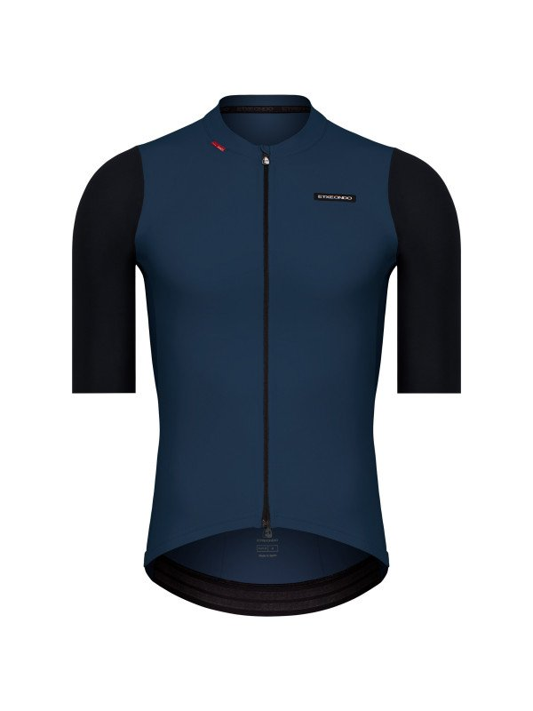EAN-code: 1801001477483 Brand: ETXEONDO Product: SHIRT K.M. MAAT XL ALDE PETROL/ZWART (Part-No: 721361) at cycleXperience.nl