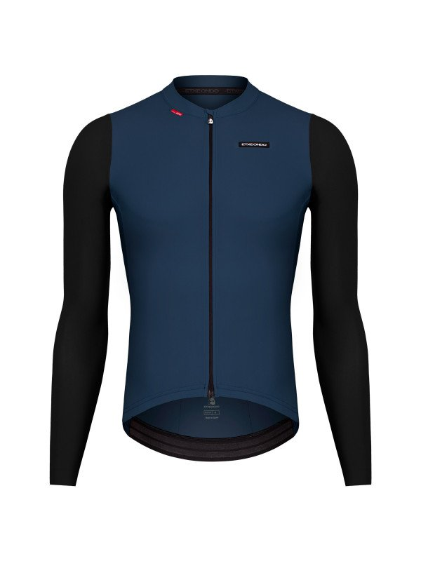 EAN-code: 1801001479104 Brand: ETXEONDO Product: SHIRT L.M. MAAT L ALDE PETROL/ZWART (Part-No: 36422 PETROLEUM/BLACK-L) at cycleXperience.nl