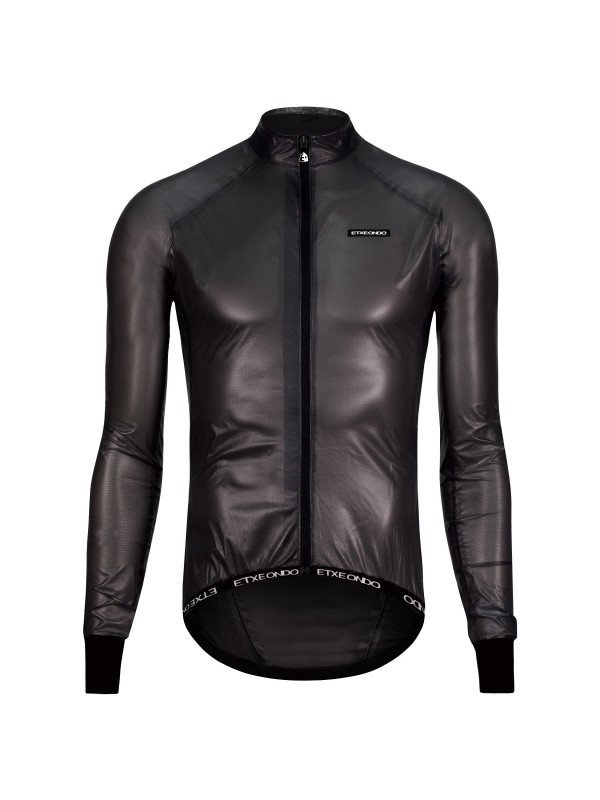 EAN-code: 1801001503199 Brand: ETXEONDO Product: REGENJAS MAAT XL BUSTI ZWART (Part-No: 55213 BLACK-XL) at cycleXperience.nl