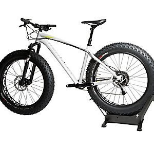 EAN-code: 2181003435445 Brand: SPECIALIZED Product: KILIAN FAT-BIKE STAND at cycleXperience.nl