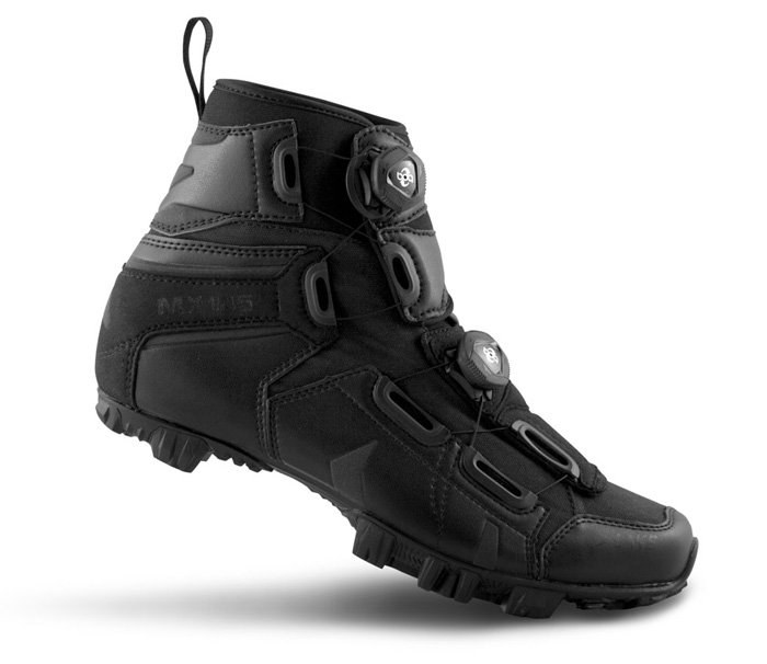 EAN-code: 2181003921207 Brand: LAKE Product: SCHOENEN MTB MX145 WINTER ZWART at cycleXperience.nl