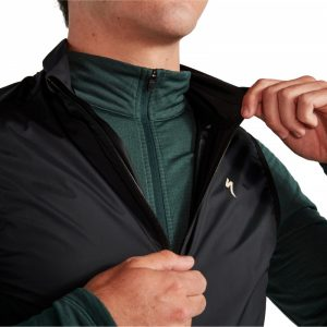 EAN-code: 2181004018128 Brand: SPECIALIZED Product: WINDSTOPPER SL PRO ZWART at cycleXperience.nl