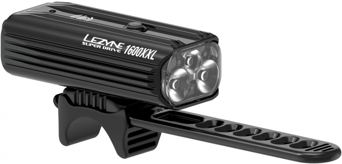 EAN-code: 4712806002619 Brand: LEZYNE Product: KOPLAMP SUPER DRIVE 1600 LUMEN ZWART (Part-No: 1-LED-6-V704) at cycleXperience.nl