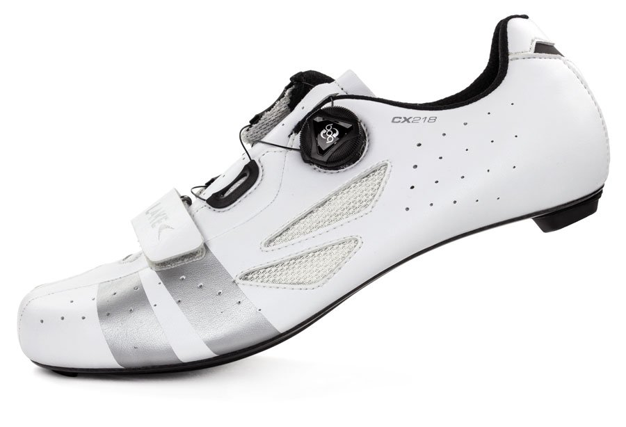 EAN-code: 8718568097302 Brand: LAKE Product: SCHOENEN RACE MAAT 50 CX218 WIT/ZILVER (Part-No: 715372) at cycleXperience.nl