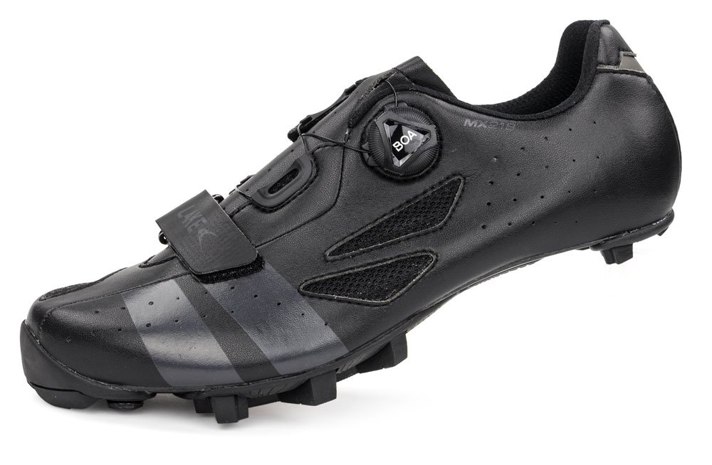 EAN-code: 8718568104239 Brand: LAKE Product: SCHOENEN MTB MAAT 44 MX176-X BREED ZWART/GRIJS (Part-No: 717681) at cycleXperience.nl