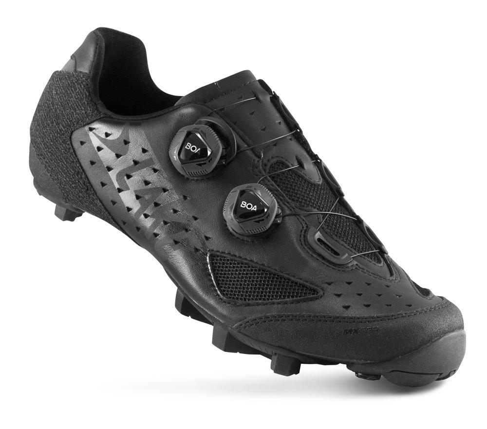 EAN-code: 8718568117017 Brand: LAKE Product: SCHOENEN MTB MAAT 47 MX238 ZWART (Part-No: 720640) at cycleXperience.nl